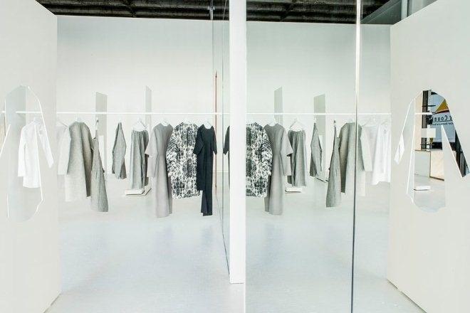 H&M的副牌COS 新开了个快闪店 一看就很COS_1