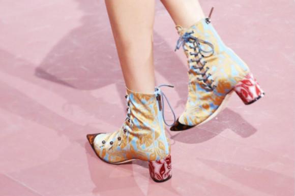 迪奥和纽约零售商短暂合作 让你在家网购Dior鞋
