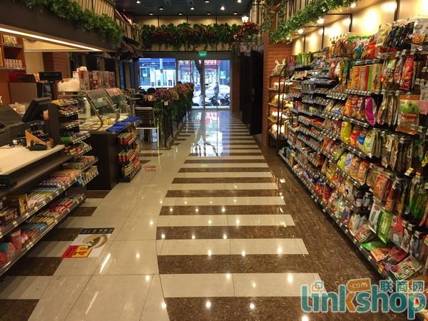 中国最美便利店长这样 亮点自己找