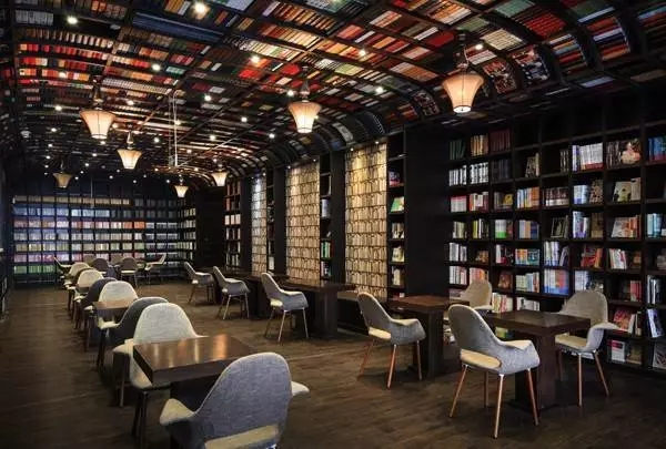 21年匠人坚守 他在上海开出比诚品还美的书店