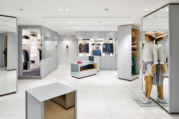 潮流百货Beams用可移动货柜 把空间做得像画廊