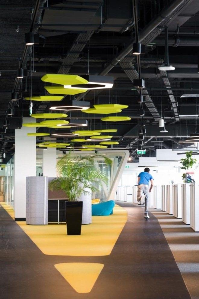 阿迪达斯在俄罗斯的新大楼 室内设计很不一般