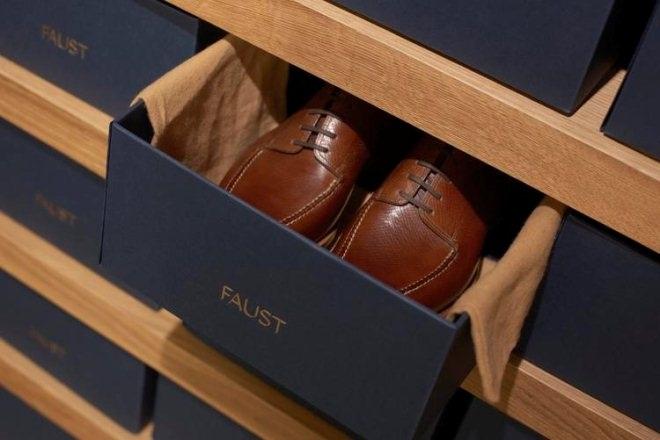 看这个20平米的手工定制鞋店如何制造高级感?