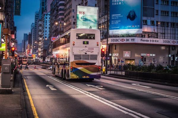 2016年香港零售额下跌8.1%18年来最大跌幅