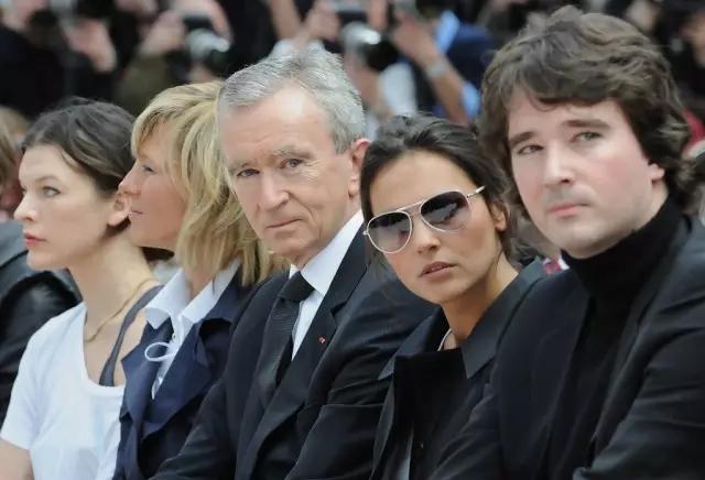 """Dior收购案""最大获益者:LV老板身价涨了近100亿"