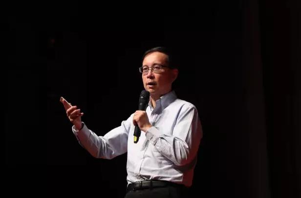 阿里巴巴CEO张勇(花名逍遥子)在5月10日收获了一个坏消息和一个好消息。