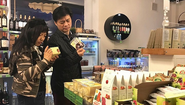 争议中的崔永元接受采访:未来想做乌托邦产品