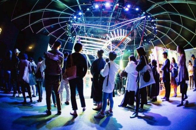 """天猫联合上海时装周打造了全球首个""""云上时装周"""""""