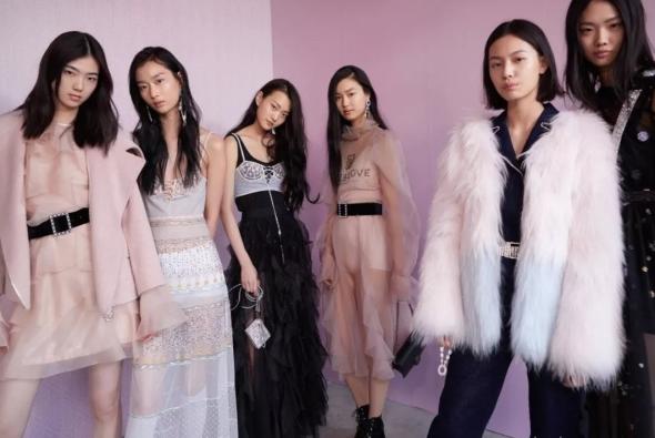 谁将是雅莹集团下一个进入10亿俱乐部的品牌?