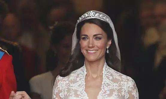 """H&M""""复刻""""凯特王妃经典款婚纱 寻求新的利润增长点"""