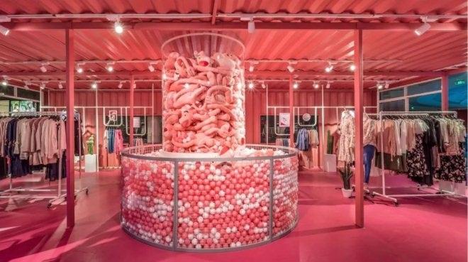 拉夏贝尔旗下拉・贝缇开了家网红店 互动体验是杀手锏?