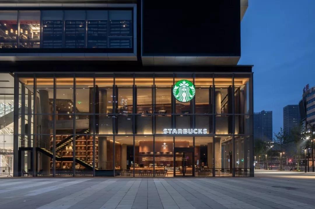 星巴克咖啡在美国_星巴克将在2019财年关闭美国150家门店_联商网