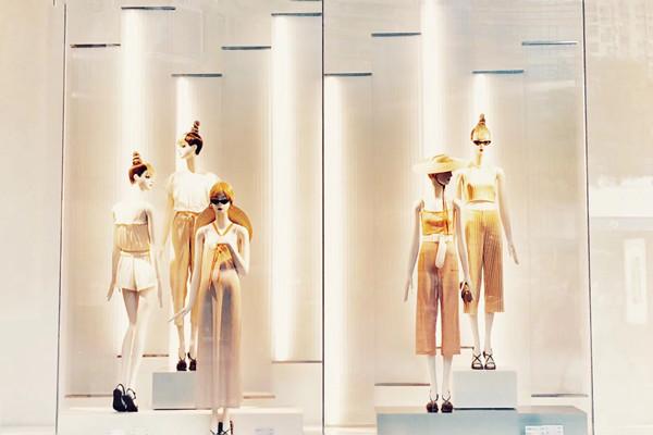 对比9大知名女装上市企业:差距在缩小 集团化趋势明显
