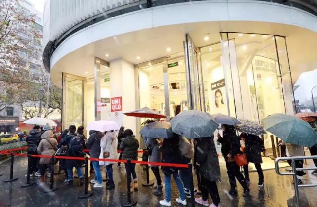 暖冬影响羽绒服零售,优衣库日本11月销售额下跌