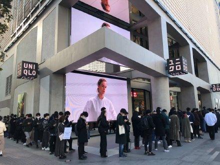 优衣库+J系列遭疯抢 日本网友:以为是中国 其实