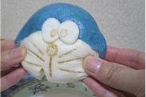 日本便利店推出机器猫馒头