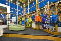 加拿大基洛纳户外野营用品专卖店设计