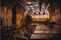 乌克兰Shustov Brandy Bar小酒吧独特的设计