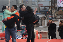 沈阳情人节零下20度举办接吻大赛