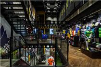 巴西耐克足球装备专卖店商品陈列