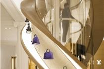 Louis Vuitton创意旋梯包包陈列