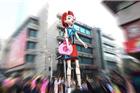 常州泰富百货20周年店庆:巨型人偶首现常州