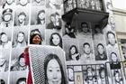 艺术展亮相上海新天地商场 万人肖像惹眼球