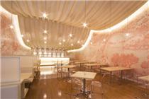 厄瓜多尔一餐厅使用清明上河图装饰墙壁