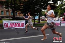 为10000欧元购物券 罗马尼亚举办高跟鞋赛跑