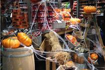 国外超市万圣节南瓜商品主题陈列