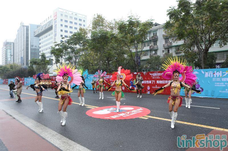 中国购物节银泰大巡游热闹开启沸腾杭城