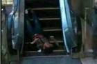 延安一商场3人被砍其中1人被割头 场面血腥