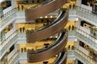 好眩晕!上海新开业商场现螺旋扶梯
