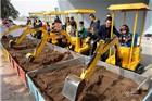 太原挖掘机变身儿童游乐设施 每日收入近万元