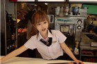 台湾最萌女店员走红 粉丝买快餐只为看一眼