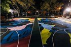 耐克请来艺术家Kaws 画了一个酷酷的篮球场