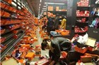 """""""黑五""""后的Nike折扣店 有种丧尸入侵的感觉"""