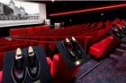 把鞋店开进电影院 这样的快闪店能让你感到浪漫?