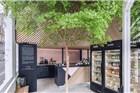 阿姆斯特丹这家冷榨果汁店 室内空间充满了健康