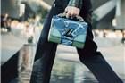 """LV也做""""即看即买""""只卖度假系列里的7款包"""