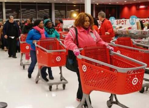 疯狂背后 美国感恩节零售业销售下降11%