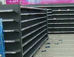 万家福开业一年遇危机 供货商听信谣言抢货