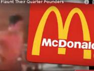 俄三裸男麦当劳悠然点餐 吓傻顾客未遭逮捕
