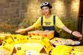 上海现小黄人主题麦当劳餐厅倍受追捧