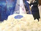 日本银座商家打造铂金圣诞树 价值1亿日元
