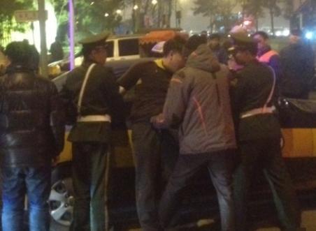 北京王府井被劫商铺恢复营业 嫌疑人被捕