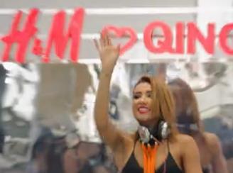 H&M青岛万象城新店开业明星不要太多!