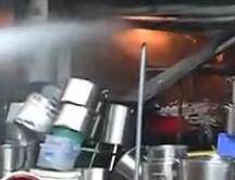 桂林百业商贸城突发大火 10余家商铺被烧