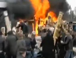 俄罗斯一大型购物中心火灾 商户奋力救货品
