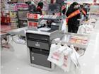 日本便利店开始测试顾客自助收银
